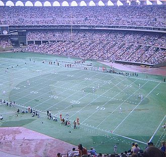 Busch Memorial Stadium - Image: Chicago Bears at St Louis Cardinals 9 25 77