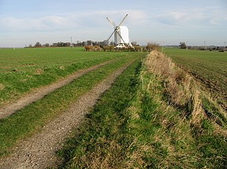 Post mill - Image: Chillenden post mill geograph.org.uk 677916