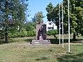 Chotíkov, památník.JPG