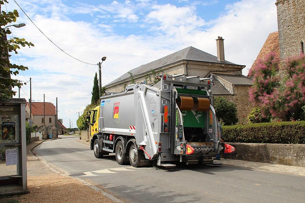 Collecte des ordures à Boinville-le-Gaillard 2