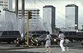 Collectie NMvWereldculturen, TM-20023623, Dia, 'Voetgangers op een zebrapad bij het Welkomstmonument op Jalan Thamrin', fotograaf Jaap de Jonge, 02-1993 - 03-1993.jpg