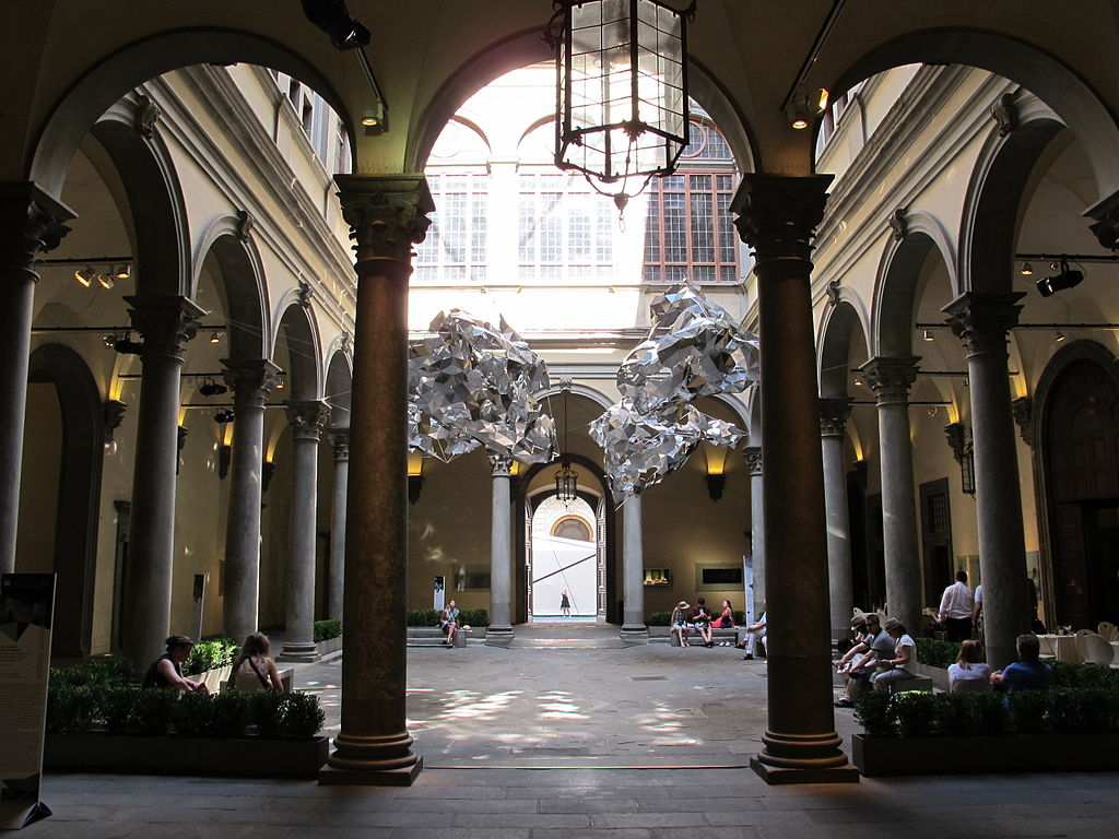 File cortile di palazzo strozzi 2012 01 jpg wikimedia commons - I giardini di palazzo rucellai ...