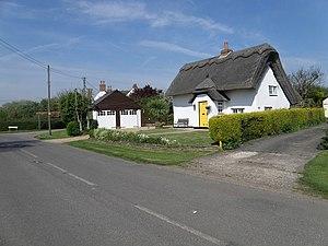 Duloe, Bedfordshire - Image: Cottage in Duloe geograph.org.uk 1279866
