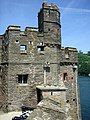 Dartmouth Castle-14218350174.jpg