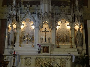 St. Patrick's Church (Lowell, Massachusetts) - Image: Detail of altar in Saint Patrick Church; Lowell, MA; 2012 05 19