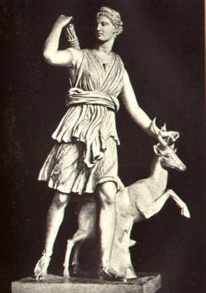 Marble sculpture - Diana sculpture in the Louvre: note use of skirt, tree stump, and stag for support of body and lower arm and the pinning of the upper arm to the arrows in the quiver, forming several closed loops that are thus stronger
