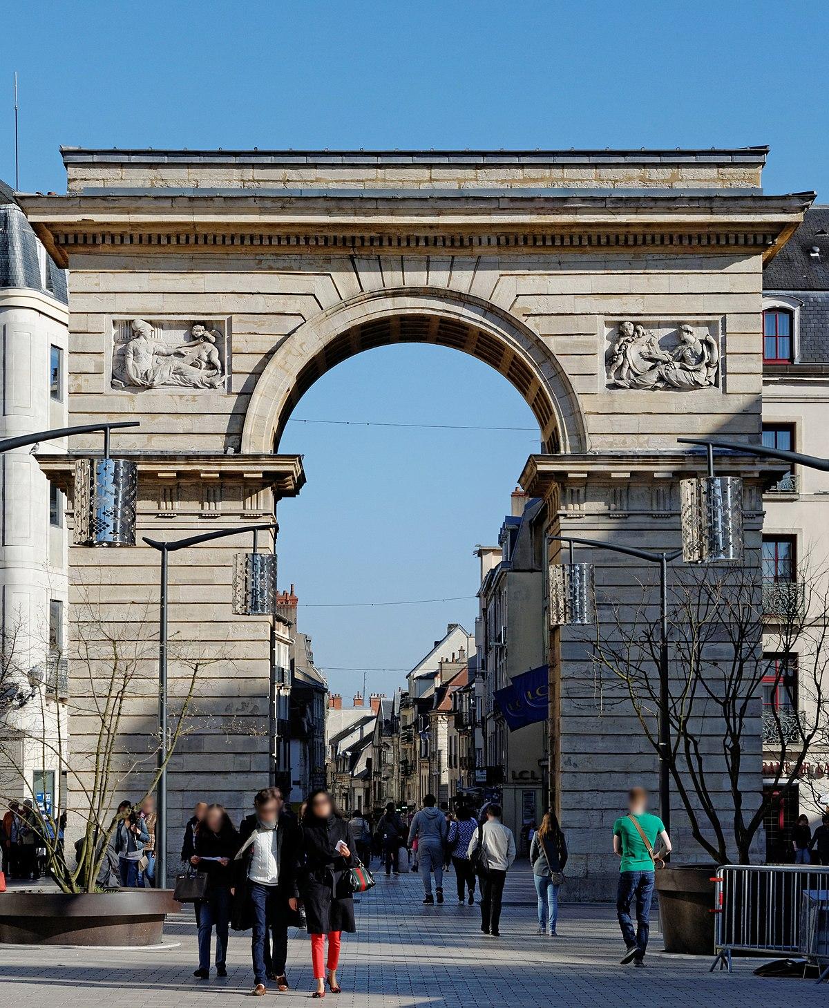 Comment Se Rendre Au Centre Ville De Porta Nova Verona