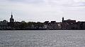 Dordrecht vanaf het water I.jpg