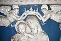 Dossale in terracotta invetriata con Madonna incoronata dagli angeli di Andrea e Giovanni della Robbia, 01.jpg