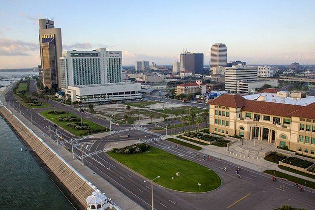File Downtown Corpus Christi Texas Jpg Wikimedia Commons