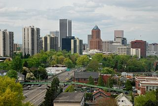 320px-Downtown_Portland_from_on_board_th