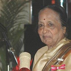 Dr. V. Shanta, in New Delhi on March 20, 2006 (cropped).jpg