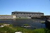 Fil:Drottningskärs kastell daytime shore view.jpg