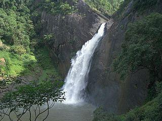 Dunhinda Falls waterfall