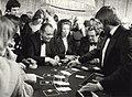 Een gokje in het Casino Zandvoort, Badhuisplein 7. Geschonken in 1986 door United Photos de Boer bv. Identificatienummer 54-005743.JPG
