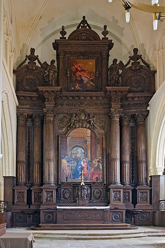 Retable - On one strict definition, this French 17th-century construction is a retable rather than a reredos, as it is all one construction