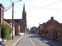 Eglise et mairie de Haucourt-en-Cambrésis.JPG