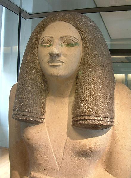 Archivo:Egypte louvre 289 statue de femme.jpg