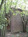 Eingang eines ehemaligen Treibstoffbunkers P5030149.jpg