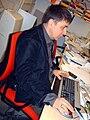 """Ermanno """"Gomma"""" Guarneri al lavoro nel suo ufficio (2009-12-17).jpg"""