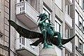 Escultura vista dende abaixo en Ourense. Galiza. Eue-2.jpg