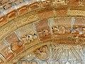 Espalion église Perse portail reliefs (2).jpg