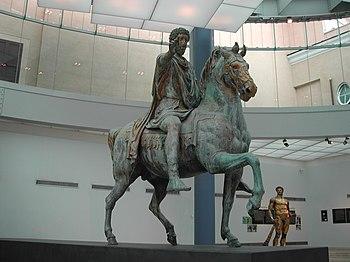 Corte de pelo media romana