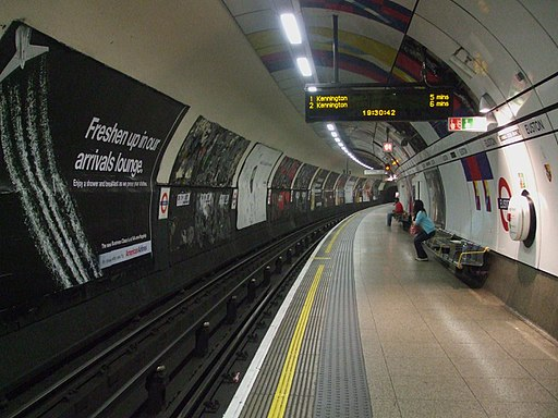 Euston tube stn Northern Charing X southbound look south