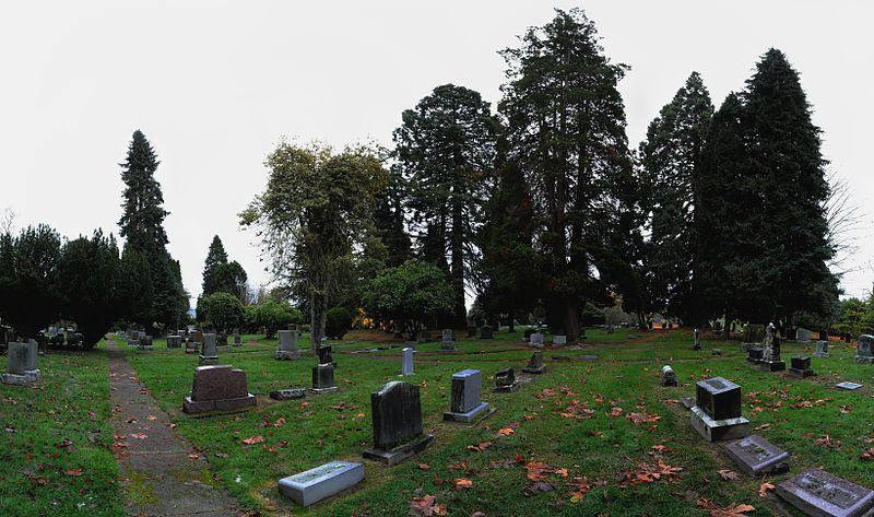 File:Everett - Evergreen Cemetery - pano  01.jpg