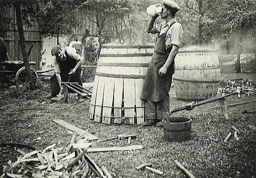 Fassbauen Kollega hat Durst 1935
