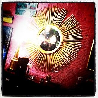 Hollywood Regency - Image: Ferguson Copeland sunburst mirror
