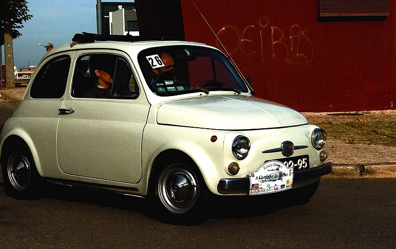 Hello from the Mediterranean 800px-Fiat_cinquecento_in_Oeiras