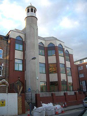 Finsbury Park Mosque, adjacent to Finsbury Par...