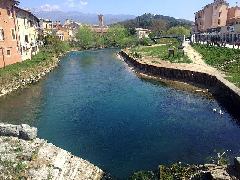 File:Fiume Velino - Rieti, dal ponte Romano - 3.jpg