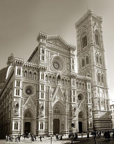 https://upload.wikimedia.org/wikipedia/commons/thumb/f/f8/Florenca109_v2.jpg/440px-Florenca109_v2.jpg