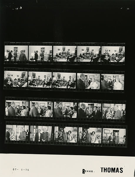 File:Ford B0446 NLGRF photo contact sheet (1976-07-01)(Gerald Ford Library).jpg
