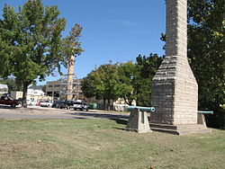 Fort Madison monument.jpg