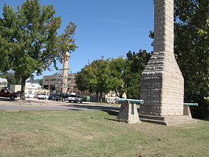 Fort Madison, Iowa - Monument marking the location of Fort Madison.