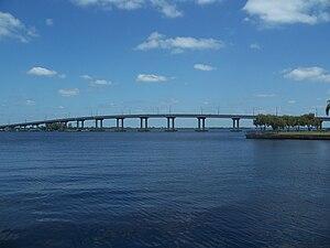 Edison Bridge (Florida) - Image: Fort Myers FL US 41 Edison Bridge east 01