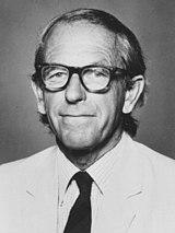 https://upload.wikimedia.org/wikipedia/commons/thumb/f/f8/Frederick_Sanger2.jpg/160px-Frederick_Sanger2.jpg