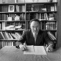 Friedrich Heer (1916–1983) 1955 USIS (US 12.787-3).jpg
