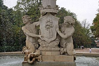 Coat of arms of Madrid - Historic coat of arms in Alcachofa Fountain, Retiro Park
