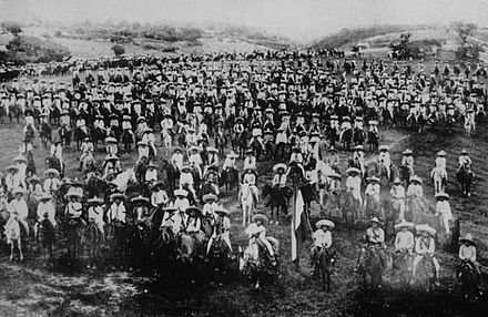 The armed forces of Zapata assembled in Morelos, date not known Fuerzas surianas a las ordenes de Emiliano Zapata.jpg
