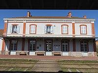 Gare d'Arlanc - Vue côté rails.jpg