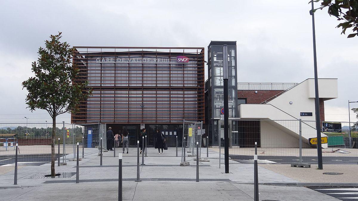 Gare de val de reuil wikip dia for Piscine de val de reuil