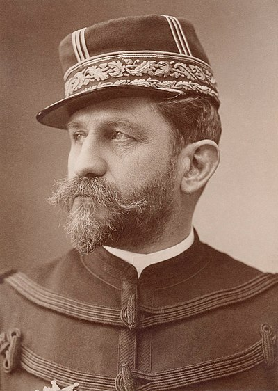 Georges Ernest Boulanger, nicknamed General Revanche Georges Ernest Boulanger by Atelier Nadar.jpg