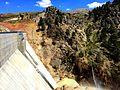 Gevne barajı, vay bee, setin aşağısında şelale ayrıntı gibi kalmış - panoramio.jpg