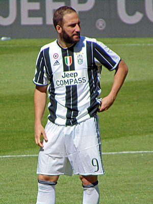 Gonzalo Higuaín - Higuaín with Juventus in 2017