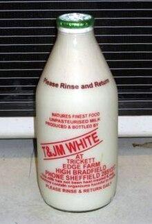 Le lait de Vache dans VACHE - BOEUF.... 220px-GreenTopMilk