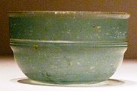 Green glass Roman cup unearthed at Eastern Han tomb, Guixian, China.jpg